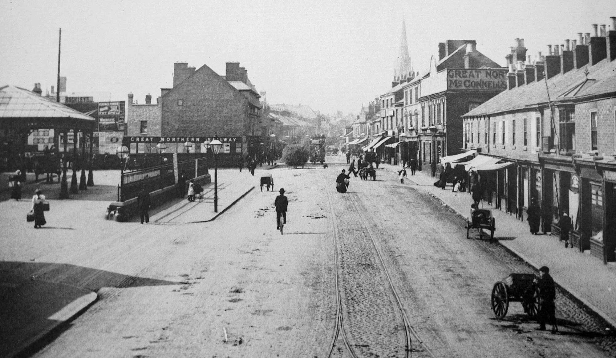 Belgrave Road near the old railway station, 1902 - Leicester and Leicestershire Record Office