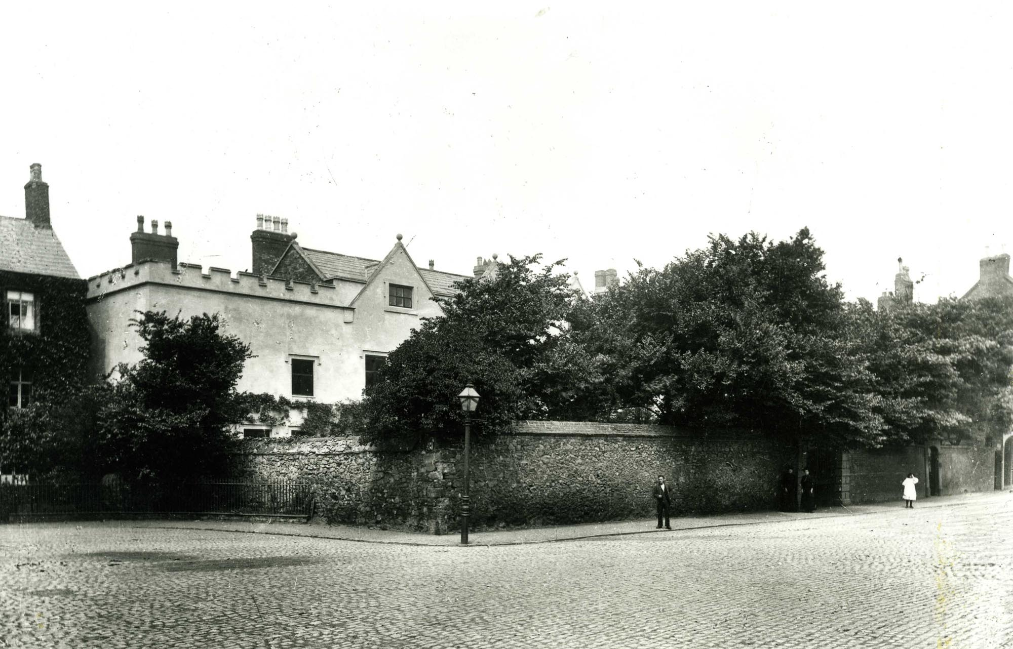Chantry House and Skeffington House with wall still standing, c.1910 -
