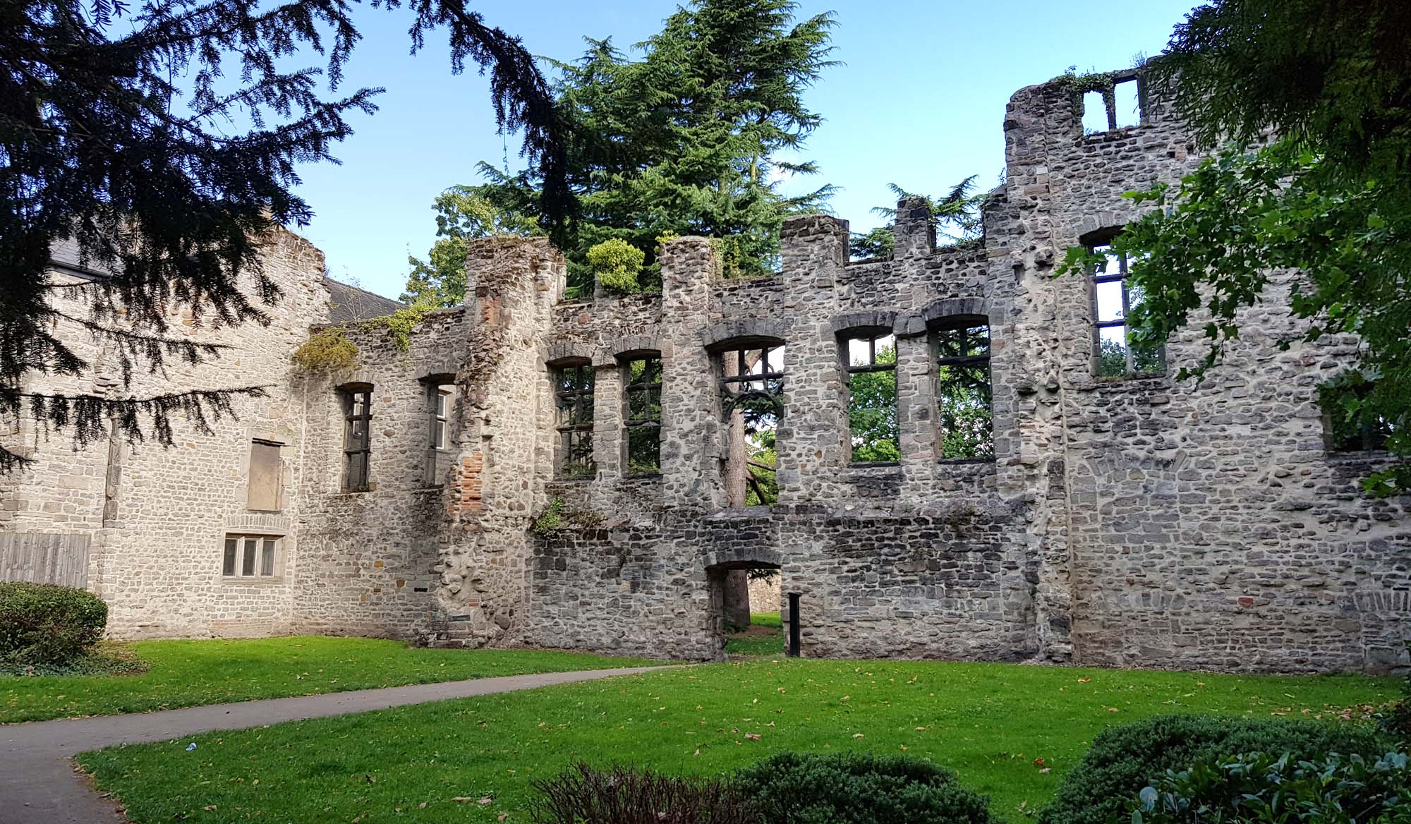 The Cavendish House ruins today -