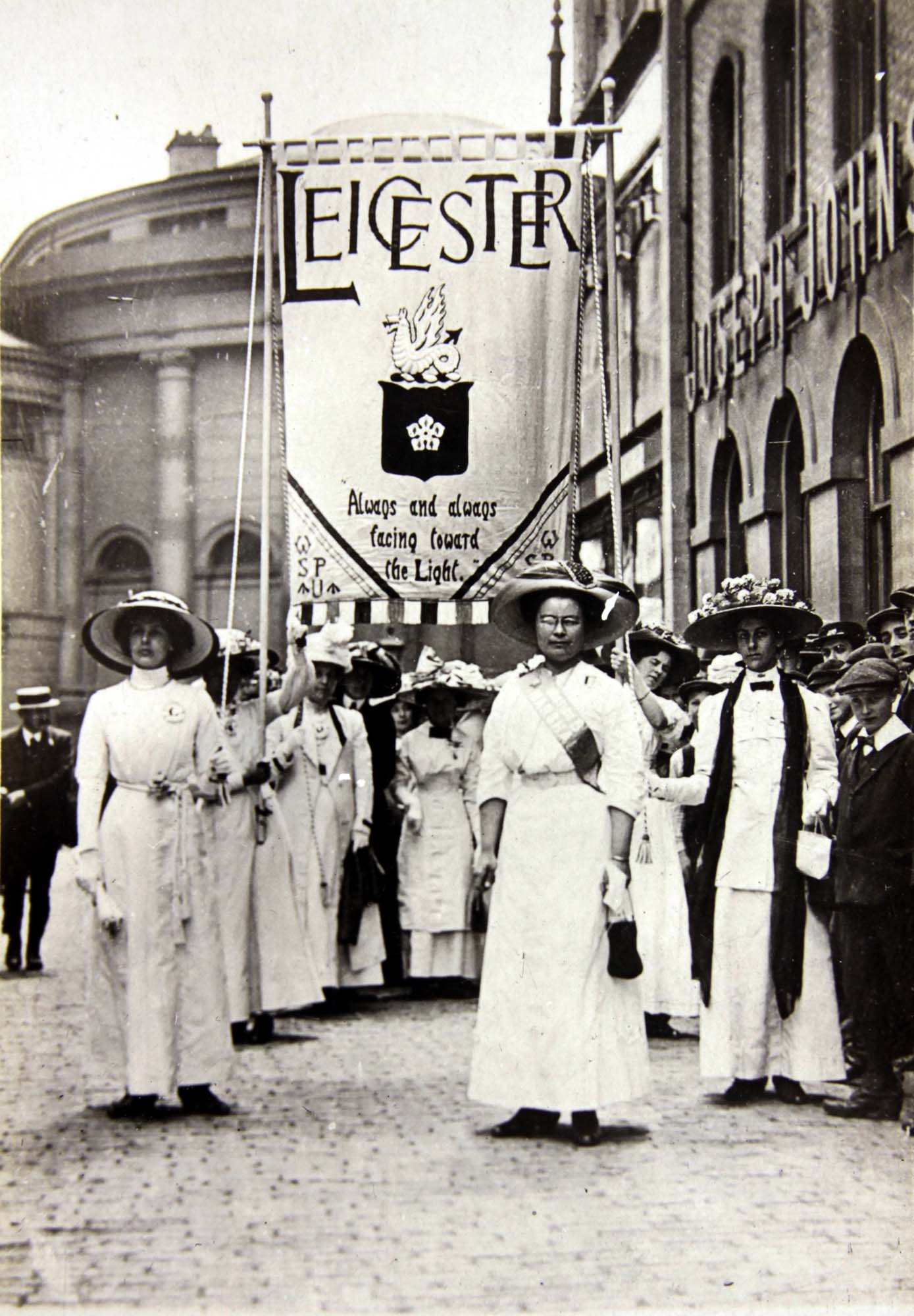Leicester Suffragettes demonstration in Bowling Green Street May 1911 - Leicestershire Record Office