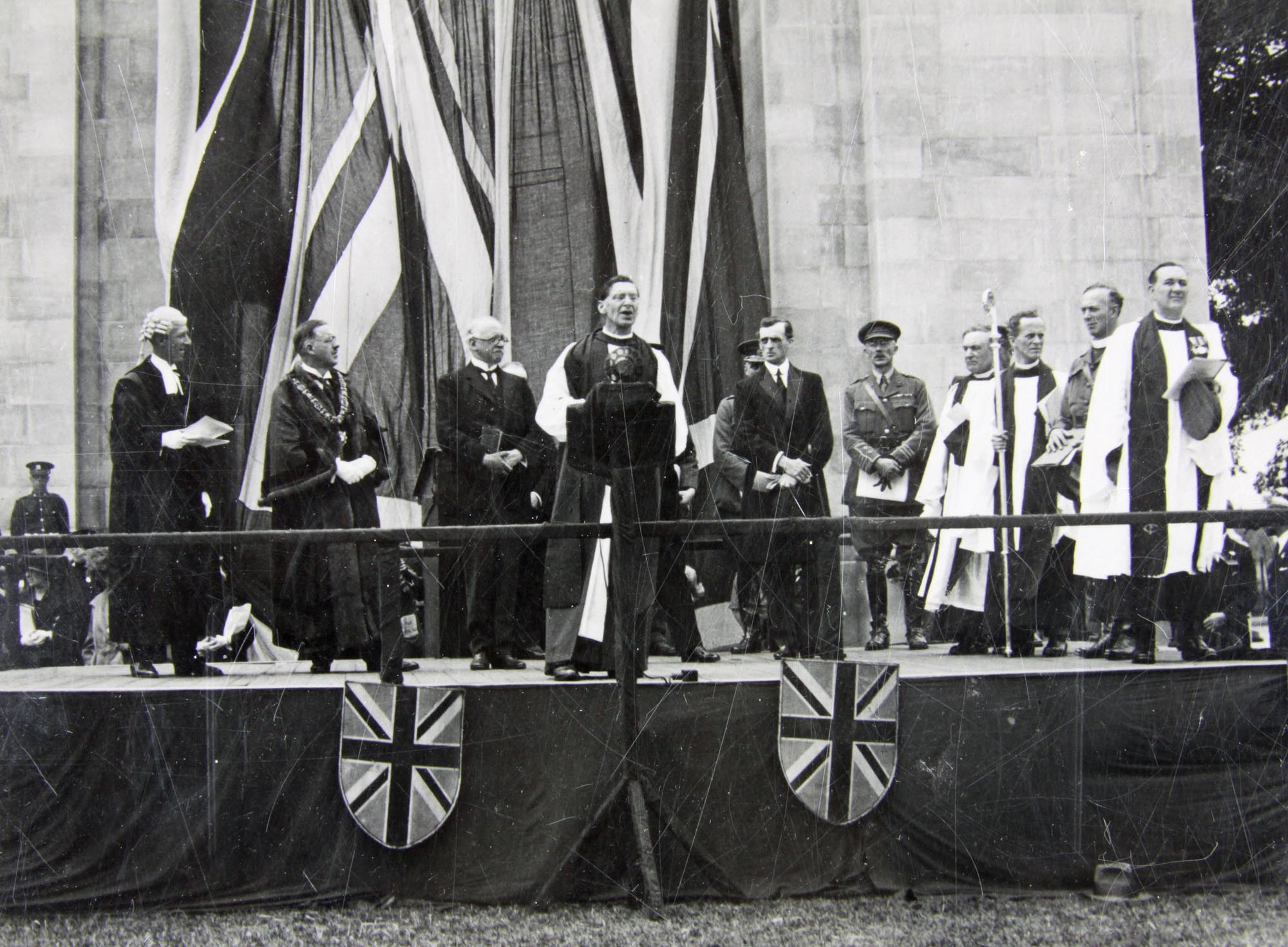 The unveiling of the Arch of Remembrance, 1925 -