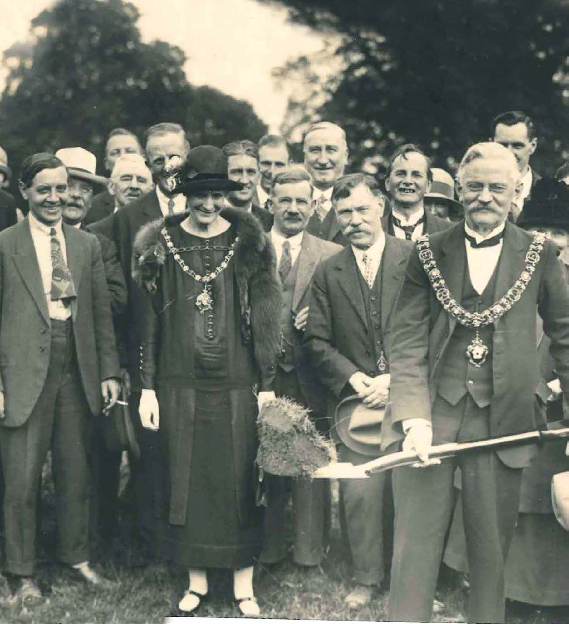 George Baton, Lord Mayor of Leicester, cutting the first piece of ground on the Braunstone Estate in 1926 - Record Office for Leicestershire, Leicester and Rutland